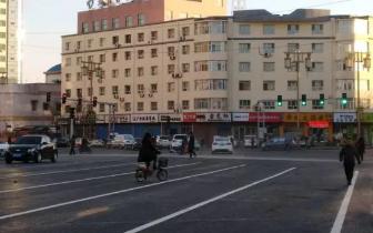 交警支队集中整治大庆路 严查各类交通违法