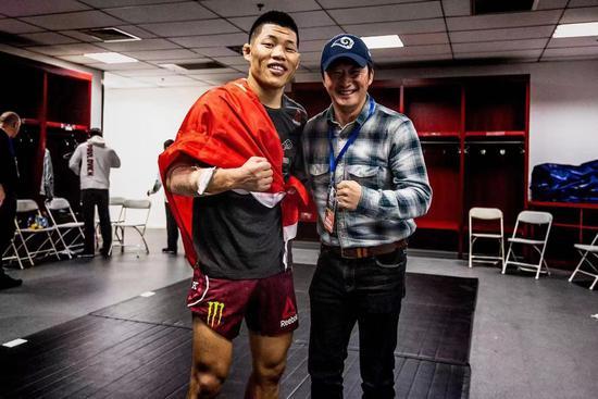 骄傲!UFC北京李景亮KO对手 宋亚东苦战点数获胜