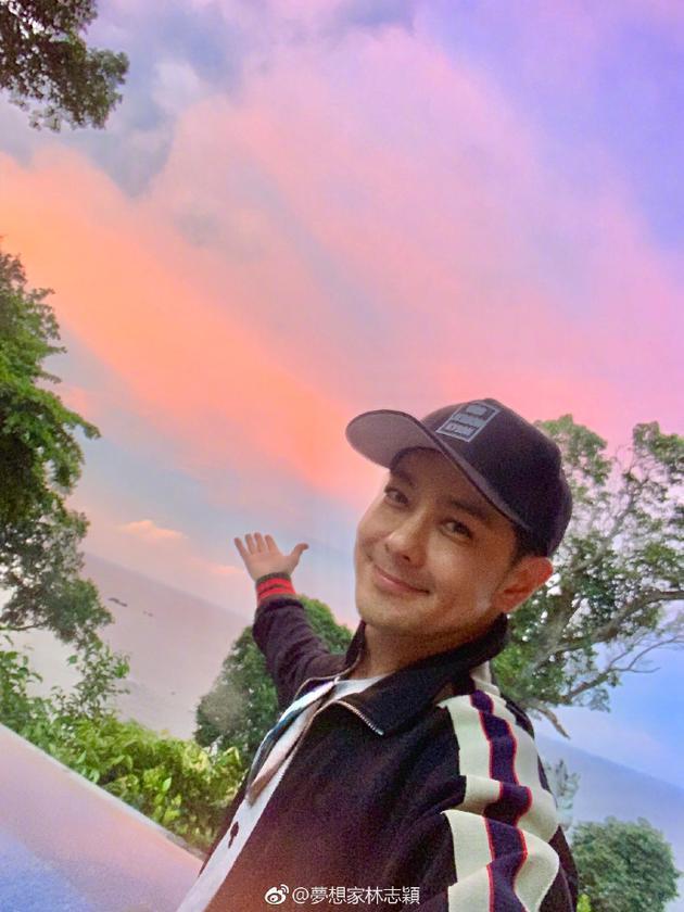 林志颖国外度假享受阳光 被称赞人帅风景美