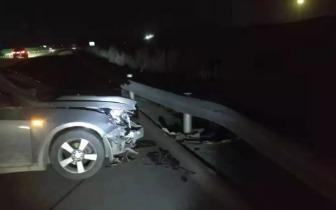 高速爆胎险丧命 才知轮胎安全=生命安全