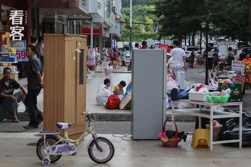 深圳关外,那些身体被掏空的年轻人