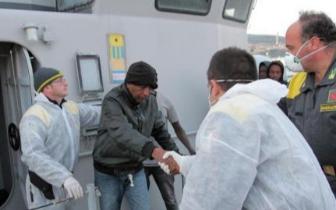 意大利国会通过强硬反移民法 将放宽驱逐标准