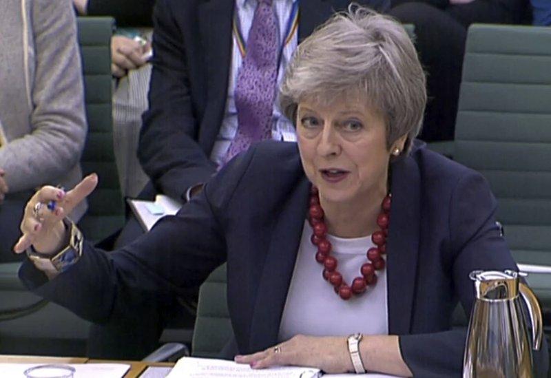 英首相力争批准脱欧协议 如被否决或再度迎来困境