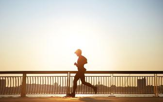 运动是最好的抗衰药!三个信号判断运动效果
