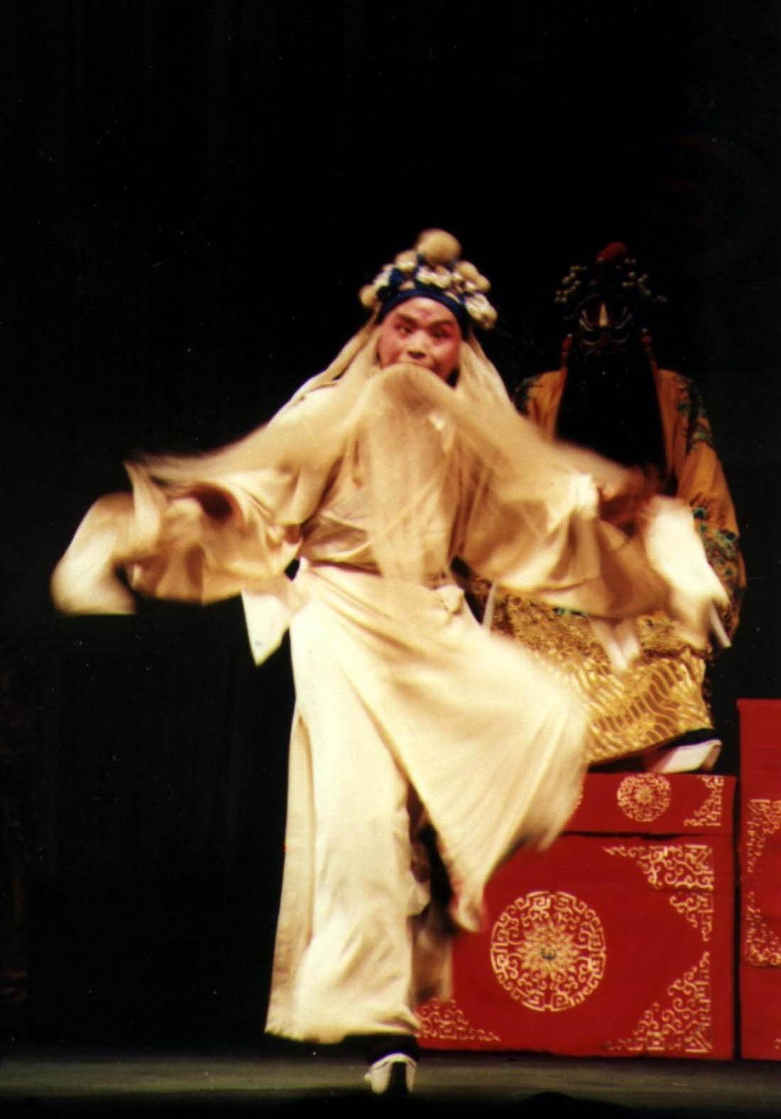 张卫东先生1991年饰演《草诏》方孝孺(作者供图)