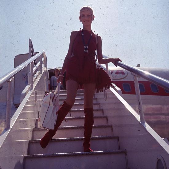1960年代的徐姿(Twiggy),掀起了模特的平胸浪潮/Vogue