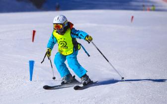 石家庄市第一届中小学生滑雪比赛报名进行中