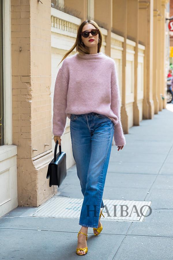 模特Laura Love 2018春夏纽约时装周秀场外街拍