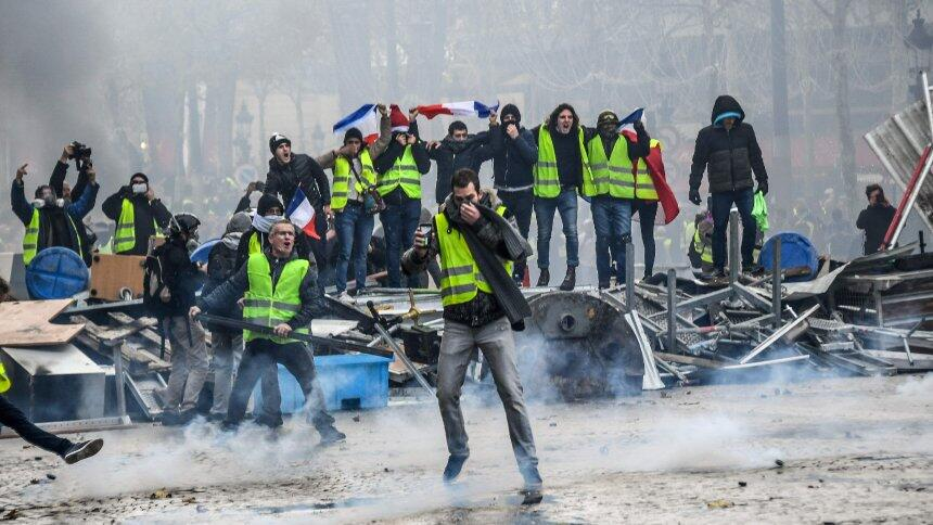 """法国黄背心运动代表取消与总理会面:因""""安全原因""""_V5微信编辑器"""
