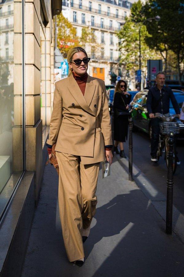 时尚博主卡米尔·夏里埃尔 (Camille Charriere) 2018春夏巴黎时装周秀场外街拍