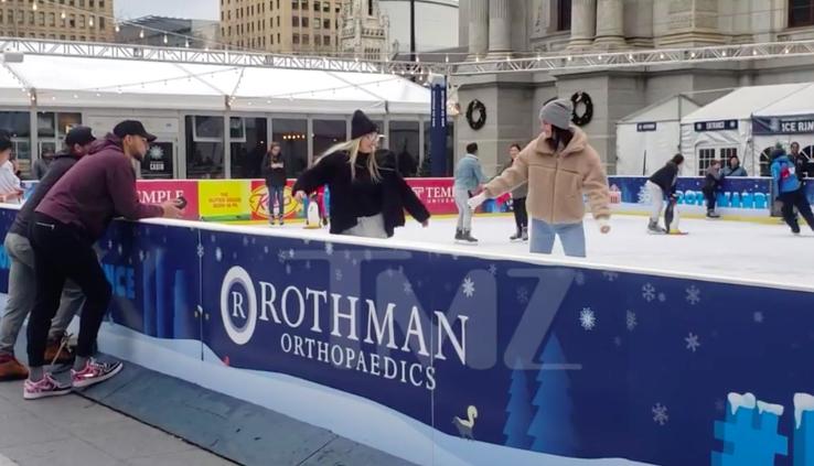 西蒙斯陪卡戴珊小妹滑冰 怕意外受伤不敢亲自玩