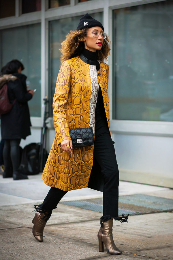 《Teen Vogue》杂志主编Elaine Welteroth 2017秋冬纽约时装周秀场外街拍