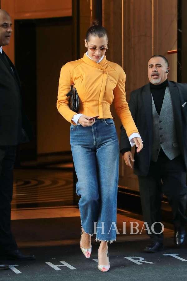 2017年12月1日贝拉·哈迪德 (Bella Hadid) 纽约外出