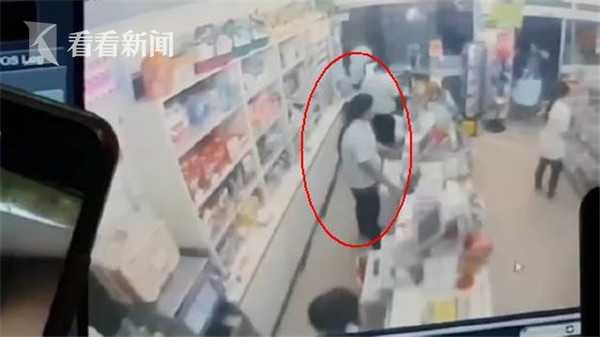 泰国情侣吵架男子竟开枪射杀女友 监控拍下全过程
