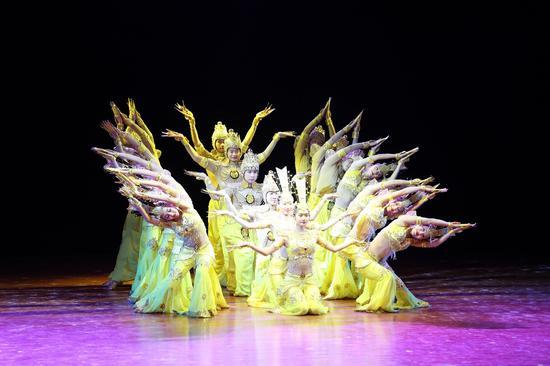舞蹈《千手观音》柳宜丹等20位聋人