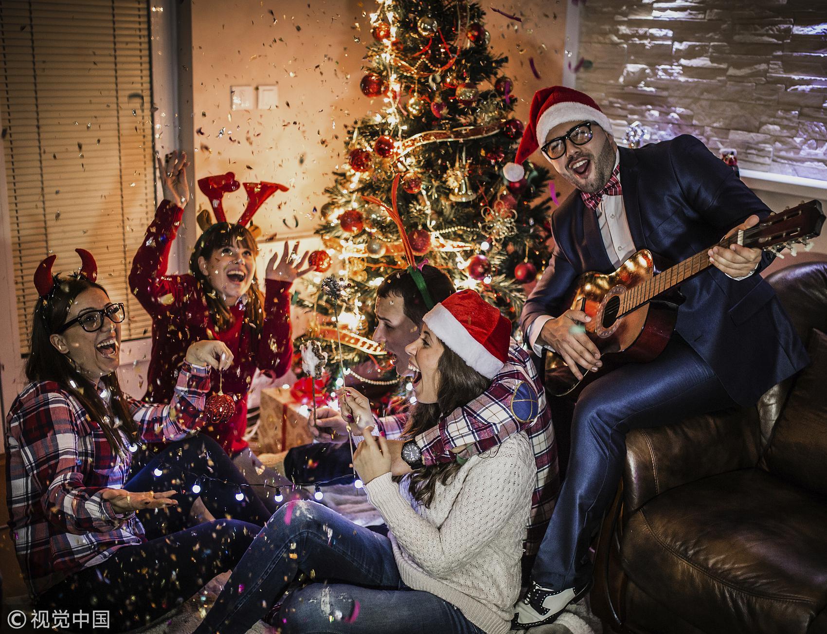 全球都在准备圣诞节 但他们竟然嗤之以鼻