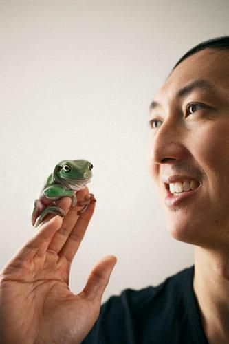 """除了排尿时间 这位""""搞笑诺贝尔奖""""得主还喜欢研究睫毛蚂蚁和青蛙"""
