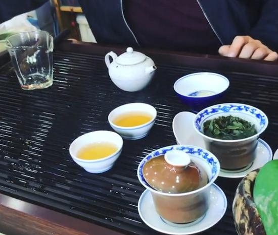 莫泰日常晒喝茶