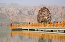 黄河上游的美丽乡村