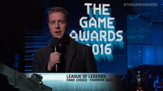 没有舞台颁奖环节,Geoff口头宣布了LOL的获奖信息,这个奖也没有出现在任何TGA官方的奖项列表里
