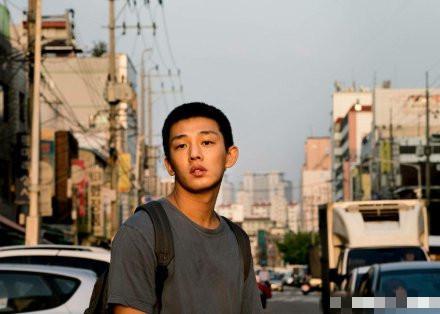 刘亚仁防弹团分别入选纽约时报年度演员和年度歌曲