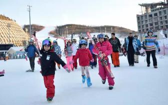 崇礼新雪季来了 滑雪旅游热再升温