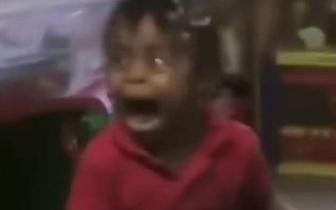 """美国2岁女童因这段视频变""""网红"""" 母亲怒告托儿所"""