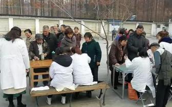 潜江市广华卫计局开展作风建设年义诊活动