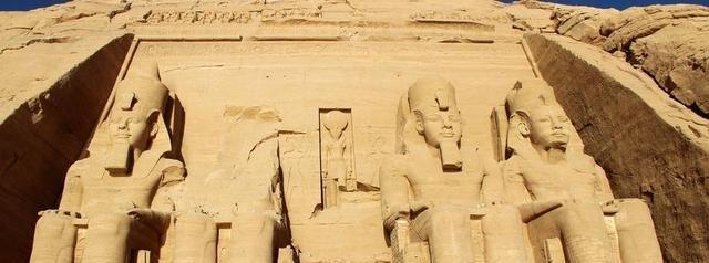 埃及除了金字塔和戈壁 还有会唱歌的石像