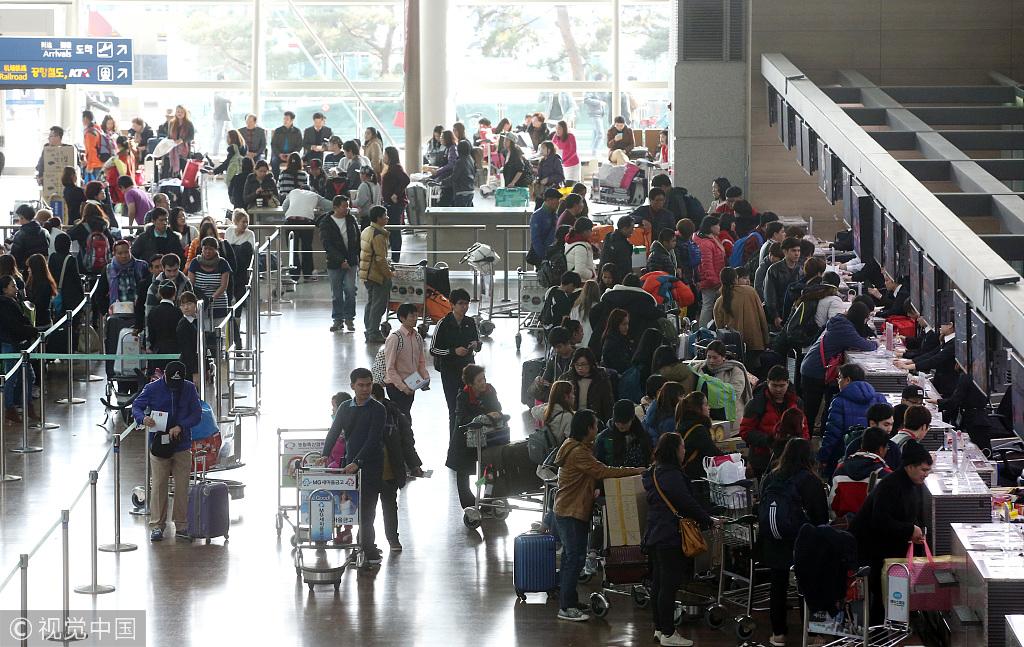 年底迎来拼假游高峰 春节出境游价格与往年持平