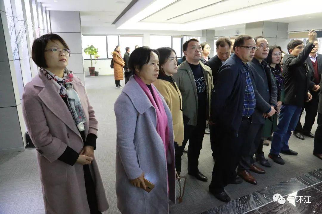 环江非公经济人士代表一行24人到湖南取经