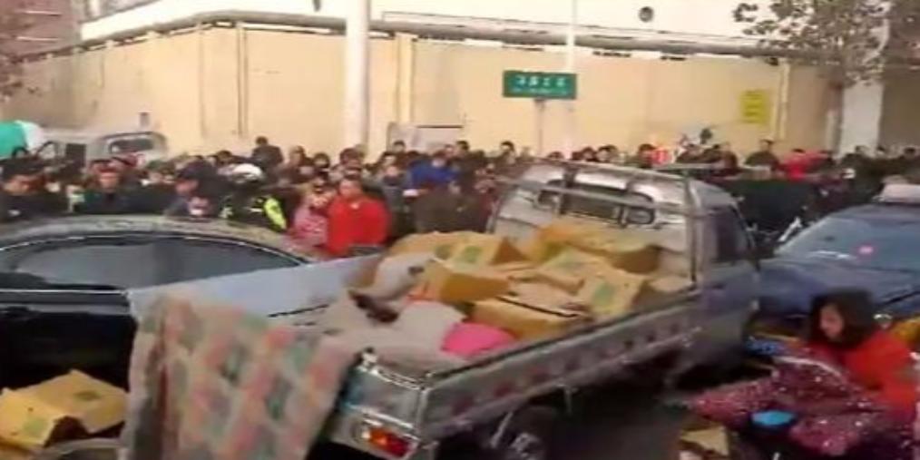 石家庄一奥迪车冲击行人 致2死5伤