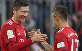 德甲-萊萬梅開二度里貝里破門 拜仁主場3-0紐倫堡