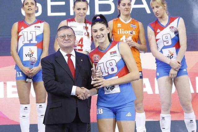 塞尔维亚女排人气球星博斯科维奇:大家夸我有天分,其实我更靠努力