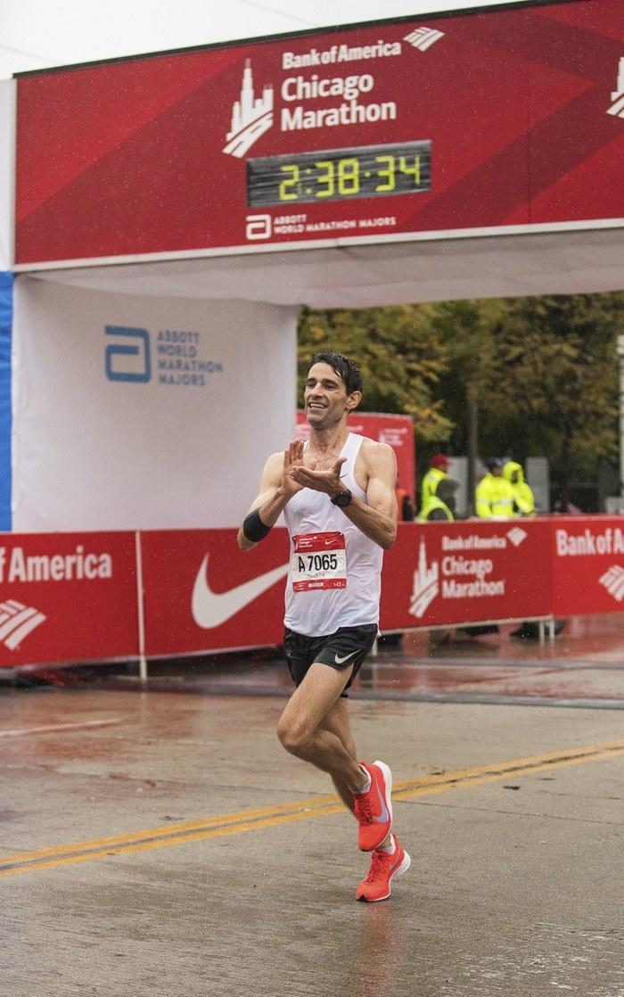40岁跑步是门槛?上年纪的马拉松爱好者照样打败年龄
