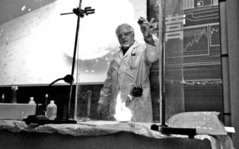 洋教授直播化学实验:中国孩子做实验太少