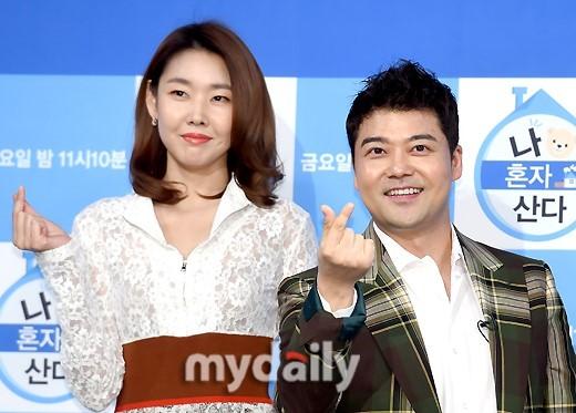 韩名嘴全炫茂否认与韩惠珍分手 恋爱十个月起波澜