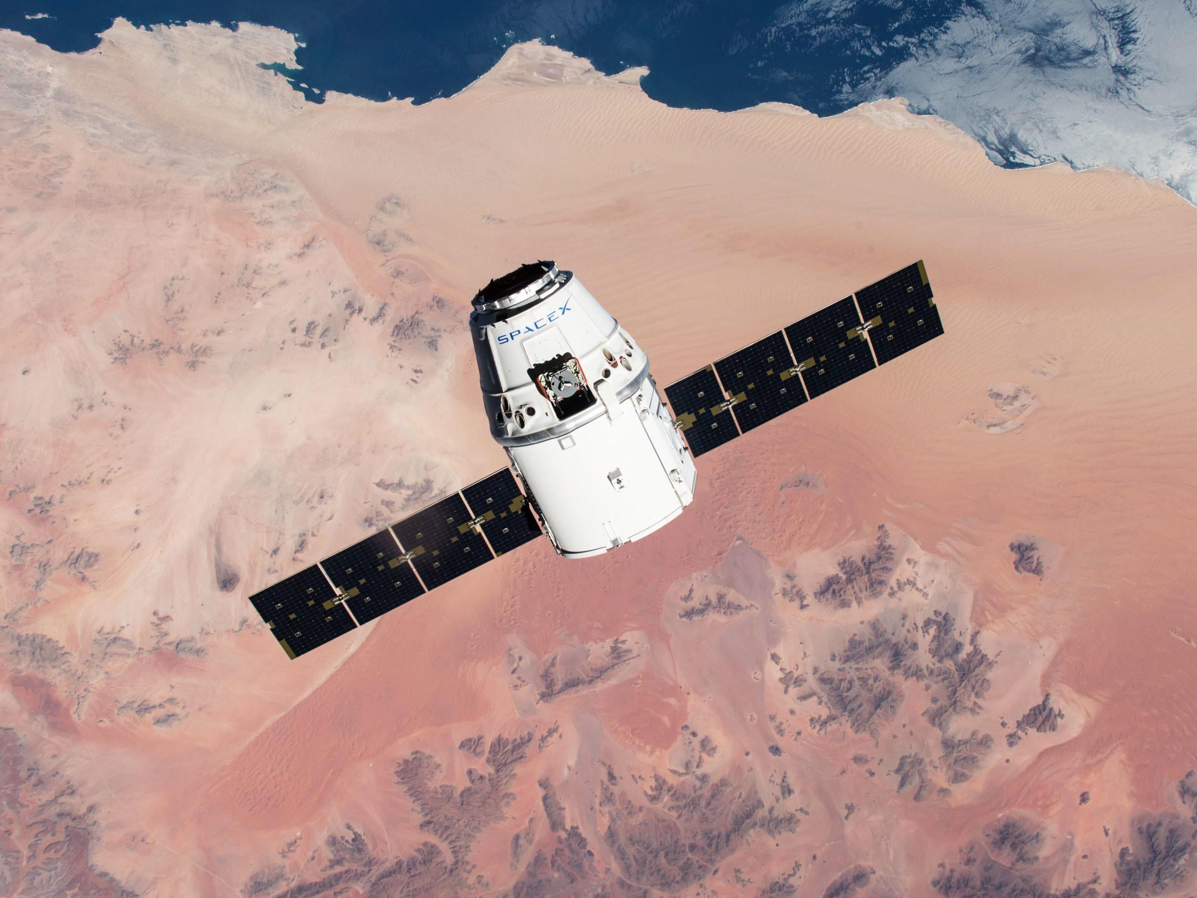 数万条线虫去了空间站:探索微重力环境下肌肉变化