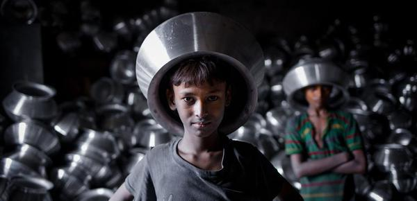 各国童工悲惨生活:生在中国太幸福