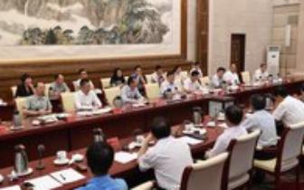 孝感市市长吴海涛在城区酒店服务业发展工作座谈会