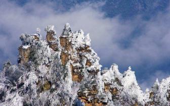 雨雪冰冻袭击湖南 部分旅游景点出现积雪暂停开放