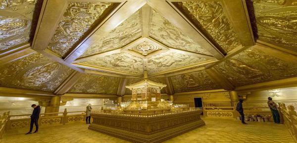 """太原用65吨纯铜复建""""黄金""""舍利塔"""
