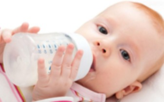 五个月女婴双肾长结石,竟因为家长喂孩子吃这个