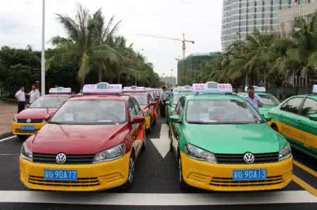 """上海对""""炸街族""""首开罚单:拘15天记39分罚6500元"""