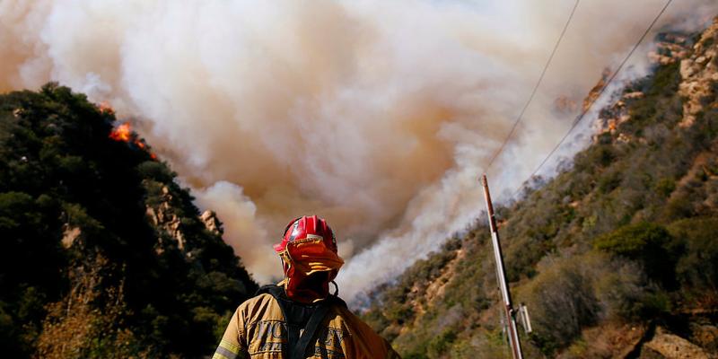 美加州山火失踪人数从1200人降至3人 火因待查