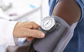 """高血压预防""""十步曲""""!怎么测血压更精准"""