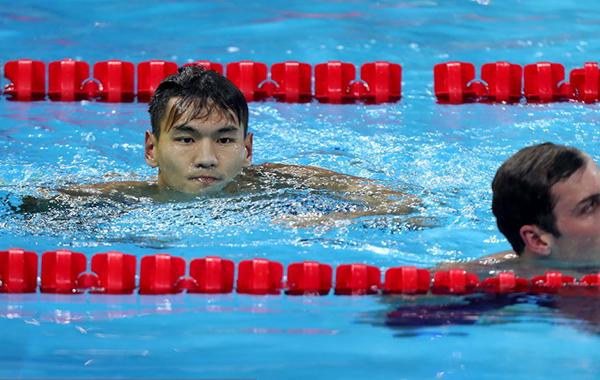 徐嘉余获100米仰泳银牌
