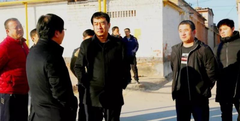 冀州区长贾宏迅到周村镇、小寨乡调研