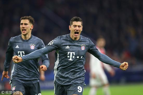 欧冠-莱万双响科曼破门 拜仁3-3阿贾克斯头名晋级