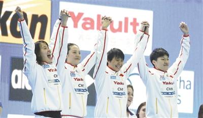 傅园慧四姐妹勇夺银 4×50米混合泳接力